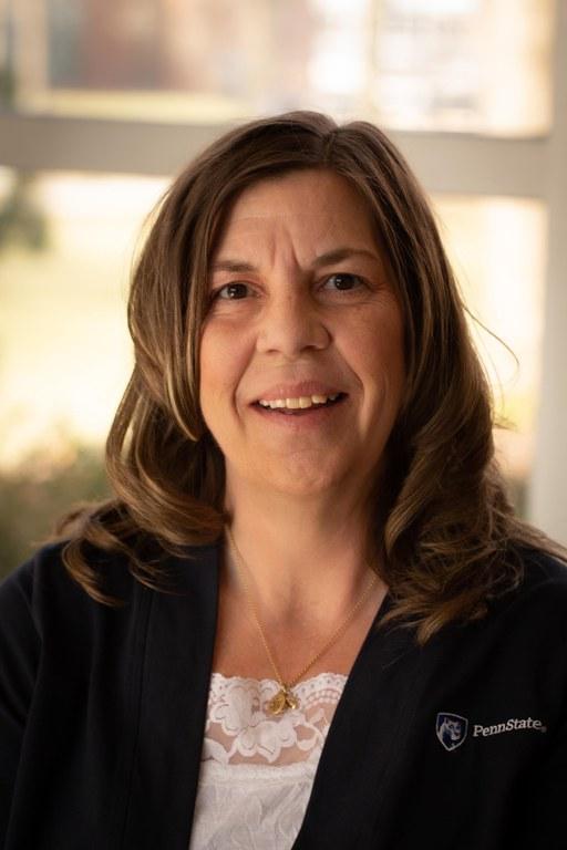 Betsy Lohr