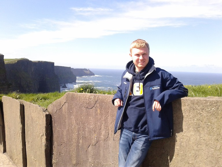 While visiting the Cliffs of Moher the group was able to explore the cliffs' many walking paths, both the safe and more perilous, and many great photo opportunities abounded with the superb weather.